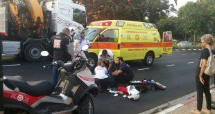 הולך רגל בן 70 נהרג מפגיעת רכב ברחוב משה סנה בתל אביב