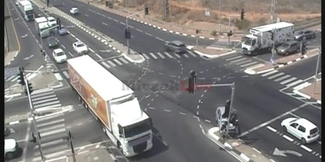 """תיעוד: תאונת דרכים בצומת הדסים – """"נס שהסתיים ללא נפגעים"""""""