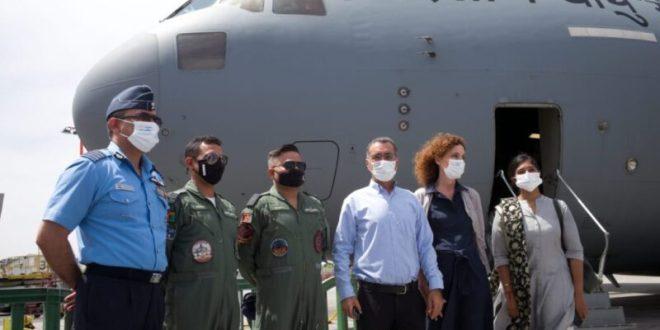 """מטוס חיל האוויר ההודי ועליו טונות ציוד רפואי המריא חזרה מנתב""""ג להודו"""