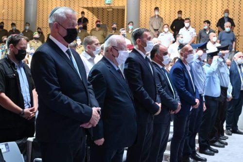 WhatsApp-Image-2021-05-10-at-14.53.23-500x333 שר הביטחון: ישראל מעוניינת בשקט, אך תפעל באמצעים שיממשו את מטרותינו