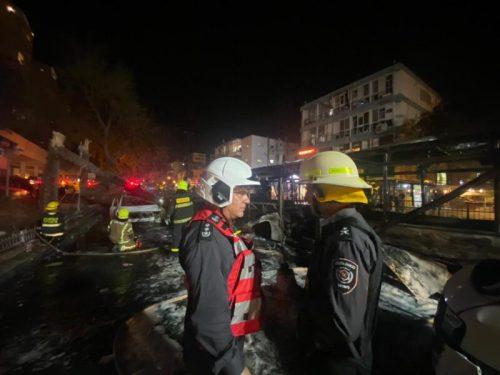 WhatsApp-Image-2021-05-11-at-21.53.36-1-1-500x375 3 פצועים קשה ובינוני בחולון מפגיעת רקטה באוטובוס