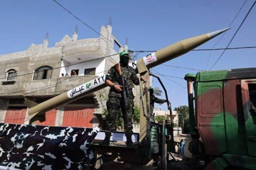 photo5298700161393996639-500x333 חמאס קיים עצרת המונית לרגל ''ניצחון ההתנגדות בקרב על חרב ירושלים''