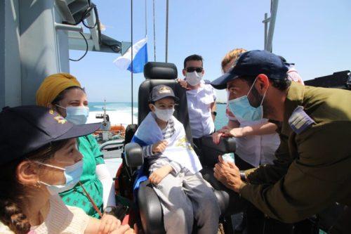 WhatsApp-Image-2021-06-10-at-21.38.22-500x333 רפאל יותם בן ה-7 הגשים את חלומו להיות רב-חובל בספינת חיל הים