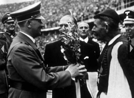 """Η συνάντηση του Σπύρου Λούη με τον Χίτλερ. Η νίκη στους Ολυμπιακούς και ο ισχυρισμός ότι """"έκλεψε"""" την πρωτιά διανύοντας μεγάλη απόσταση πάνω σε κάρο"""