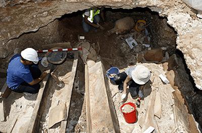 Ο Άλιμος, η Γλυφάδα και το Ελληνικό είναι από τις πιο αρχαίες οικιστικές περιοχές. Πρωτοκατοικήθηκαν πριν από 6.000 χρόνια. Οι θεαματικές ανασκαφές