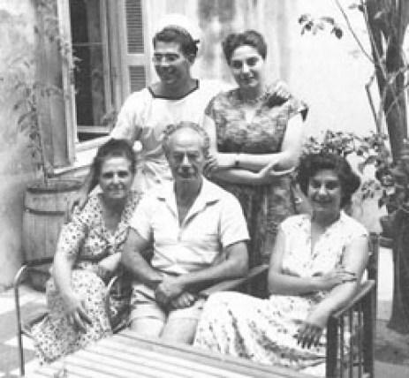 Η οικογένεια του Στρατή Μυριβήλη