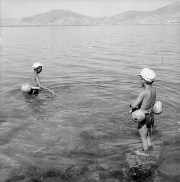Summer_Φωτογραφία του Ζαχαρία Στέλλα. Αρχείο Μουσείου Μπενάκη