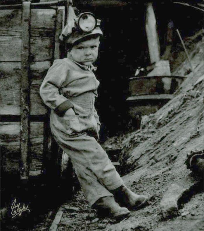 "Tα παιδιά που ζούσαν μέσα στα τούνελ και πέθαιναν για να ξεχρεώσουν οι οικογένειές τους! Τα ""παιδιά καναρίνια"" των αμερικανικών ανθρακωρυχείων"