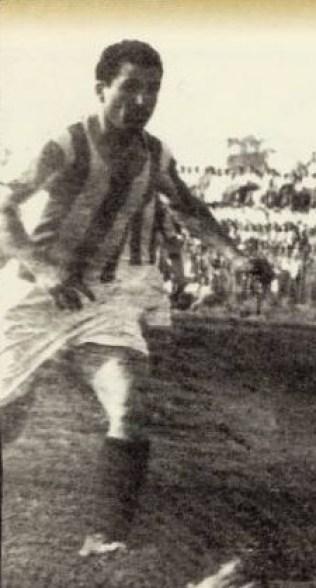 Ο Μουράτης έπαιζε ως αριστερό μπακ στον Ολυμπιακό