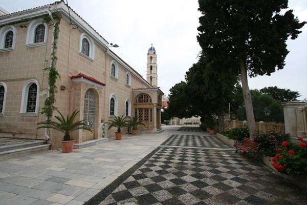 Ο ναός της Μεταμόρφωσης στη Σύρο