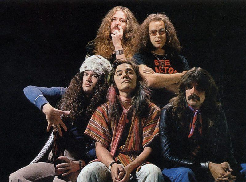 Ο πρώην κιθαρίστας των deep purple, Τόμι Μπόλιν που πέθανε από υπερβολική δόση ηρωίνης. Ήταν 25 ετών και οι φίλοι του δεν κάλεσαν γιατρό για να μη γίνει σκάνδαλο