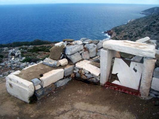 Ίος - Τάφος του Ομήρου