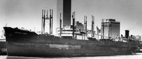 Ο Κασιώτης ναυτικός που ναυάγησε στο τρίγωνο των Βερμούδων. Kατάφερε να σωθεί, αλλά από το υπόλοιπο πλήρωμα οι 18 πνίγηκαν. Το μοιραίο φορτίο με τους 400 τόνους δυναμίτιδας