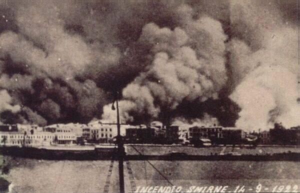 Ποιος έβαλε τη φωτιά που κατέστρεψε τη Σμύρνη; Τι λένε οι Τούρκοι ιστορικοί για το κάψιμο της ιστορικής πόλης; Βίντεο με μαρτυρίες