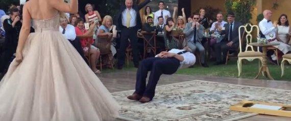 Το τρικ που έκανε στον γάμο του ένας μάγος και οι καλεσμένοι τα «έχασαν»