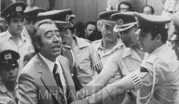 Ο αρχιβασανιστής αξιωματικός Θεοφιλογιαννάκος στην δίκη των βασανιστών.