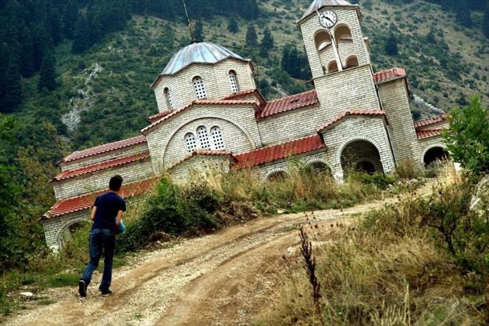 Το χωριό, όπου οι καλλιεργητές σκότωσαν τον φοροεισπράκτορα στην ...