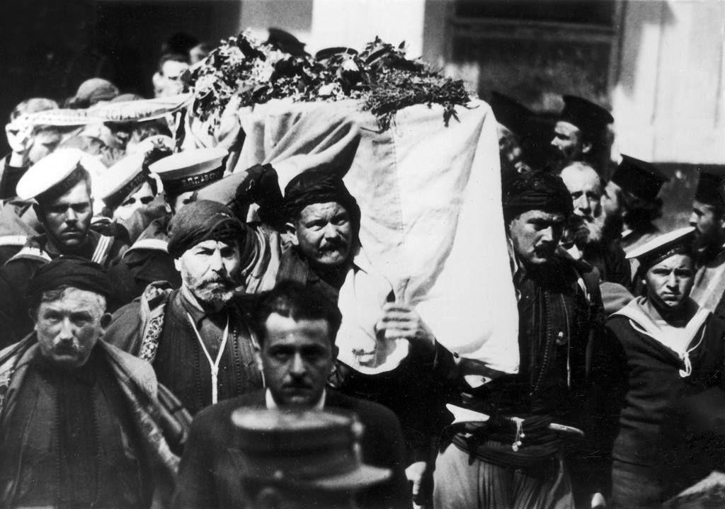 Ο τρομερός διχασμός των Ελλήνων. Οι αντίπαλοι του Βενιζέλου ήθελαν να πετάξουν την σορό του στη θάλασσα! Άγνωστες πτυχές του ακήρυχτου εμφυλίου