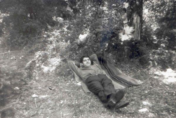 Το 1998 ήταν η 14η φορά που o Λιαντίνης ανέβαινε στον Ταύγετο. Το προηγούμενο βράδυ της εξαφάνισης του ο Λιαντίνης είχε διαβάσει το βιβλίο «Η ζωή εν τάφω» του Μυριβήλη. το 1978-1979 παρακολούθησε μαθήματα φιλοσοφίας στο Πανεπιστήμιο της Χαϊδελβέργης και έγραψε συνολικά εννέα βιβλία φωτογραφία: liantinis.org