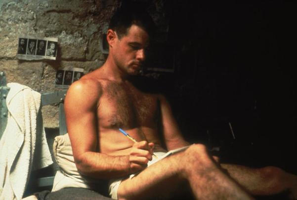 Ο Μπραντ Ντέιβις την περίοδο των γυρισμάτων αντιμετώπιζε προβλήματα με τα ναρκωτικά και πέθανε το 1991 από Έιτς