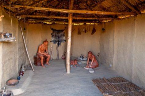 Αναπαράσταση σπιτιού στο Δισπηλιό