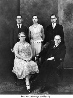 O Τζένιγκς με την οικογένεια του