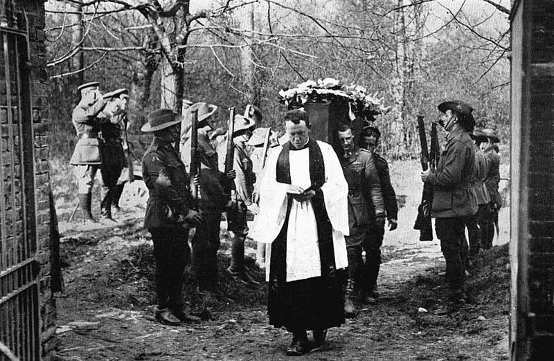 """""""Κόκκινος βαρόνος"""", ο θρυλικός πιλότος της Γερμανίας που έριξε 80 μαχητικά στον Α' Παγκόσμιο Πόλεμο. Τον έθαψαν οι σύμμαχοι, με όλες τις τιμές, αφού τον κατέρριψαν"""