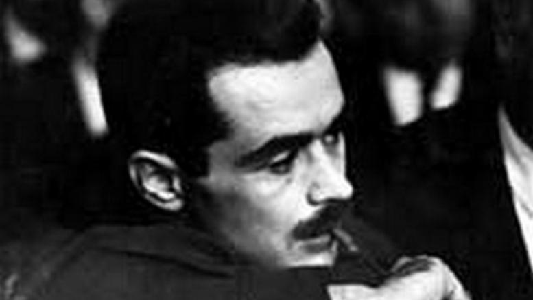 """Όταν """"φοβήθηκε"""" ο ΑλέκοςΠαναγούλης τον νεαρό που φώναζε: """"θα κρατώ το μυδραλιοβόλο και θα σκοτώσω τους κομμουνιστές. Και πρώτον θα σκοτώσω τον δολοφόνο Αλέκο Παναγούλη"""""""