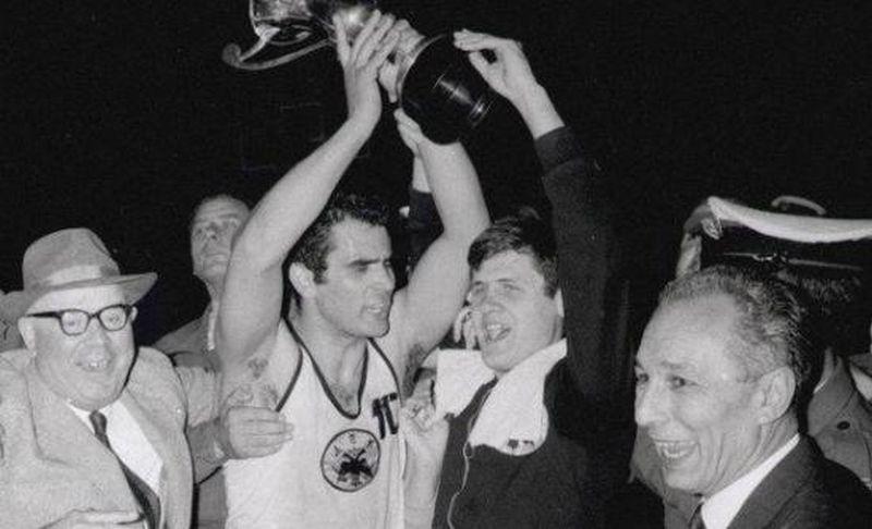 1968. Η ΑΕΚ κατακτά το κύπελλο κυπελλούχων Ευρώπης μπροστά σε 80.000 θεατές! Η πρώτη διεθνής επιτυχία και η άγνωστη αφιέρωση στον αθλητή της που πέθανε από καρκίνο