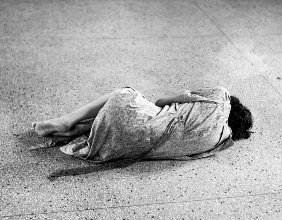 Συγκλονιστικές φωτογραφίες μέσα από τα φρενοκομεία του 20ου αιώνα. Η έλλειψη κατανόησης της ψυχικής υγείας, οι πειραματισμοί και η βάρβαρη επέμβαση της λοβοτομής