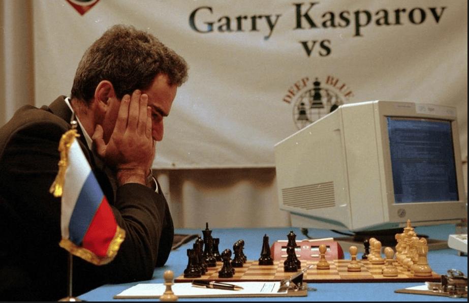 Πως ο υπερ- υπολογιστής της ΙΒΜ νίκησε τον Κασπάροφ με μια …ανθρώπινη κίνηση. Ο Ρώσος πρωταθλητής στο σκάκι δήλωσε ότι τον εξαπάτησαν