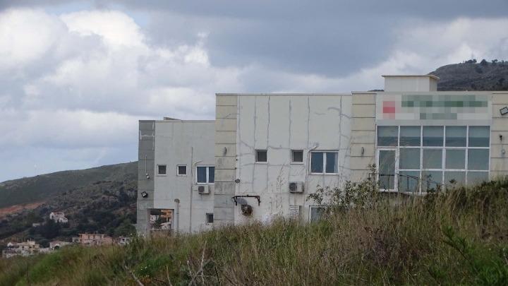 Νέα καταγγελία για το γηροκομείο στα Χανιά: πούλησαν το σπίτι ηλικιωμένης με άνοια. Στην αντεπίθεση ο δικηγόρος του οίκου: «Δεν είμαστε σύγχρονο Άουσβιτς»