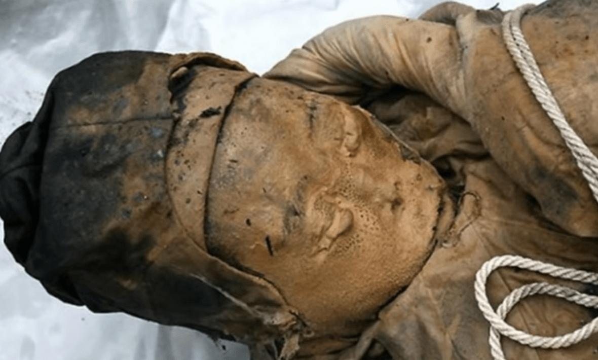 Μία τέλεια διατηρημένη μούμια 700 ετών. Το άθικτο λείψανο της Κινέζας αριστοκράτισσας από την δυναστεία των Μινγκ βρέθηκε σε εργασίες οδοποιίας