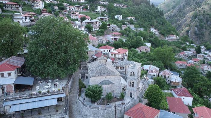 Τζούρτζια. Το ιστορικό χωριό των Μετεώρων με την παλαιότερη αδελφότητα Βλάχων στην Ελλάδα.
