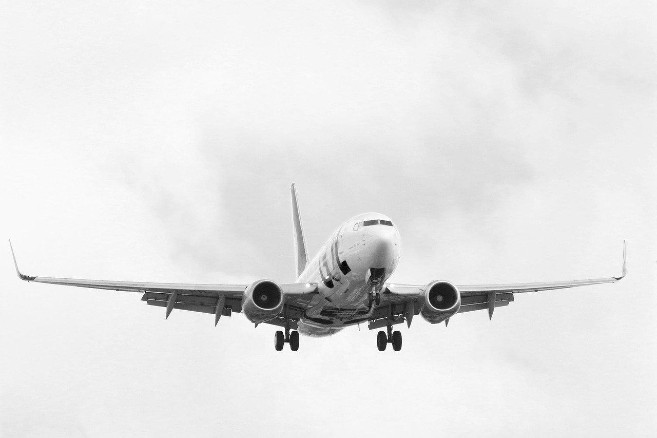 Συνετρίβη στη θάλασσα αεροπλάνο με 28 επιβαίνοντες στη Ρωσία. Στο σημείο καταπλέουν πλοία