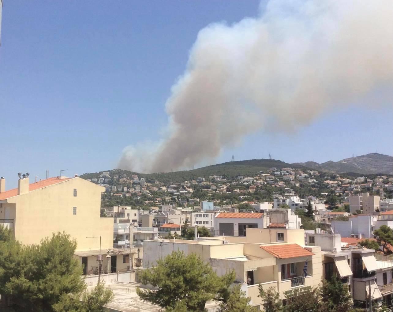 Έκτακτη Ενημέρωση από Χρυσοχοΐδη και Χαρδαλιά για φωτιά σε Σταμάτα και Διόνυσο – Τέσσερις προσαγωγές υπόπτων