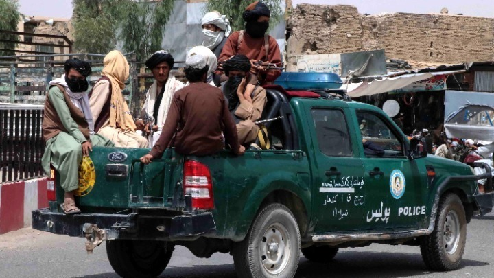 Μεσαίωνας στο Αφγανιστάν. Ταλιμπάν μαστιγώνουν νεαρούς επειδή φορούν τζιν- Καταγγελίες για εκτελέσεις αμάχων