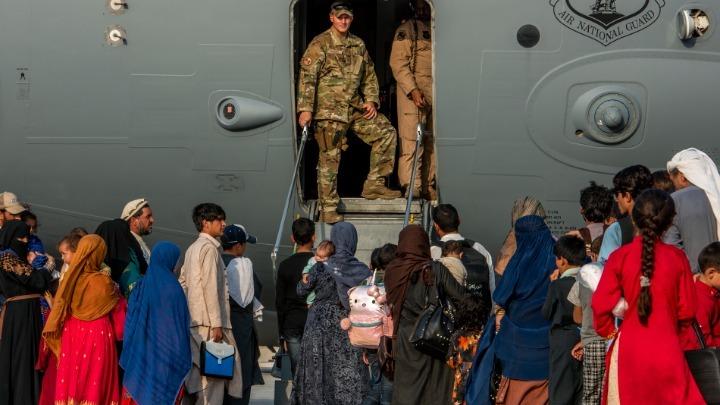 Ποιες χώρες υποδέχονται τους Αφγανούς πρόσφυγες. Τι στάση κρατά η Ε.Ε.