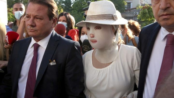 Επίθεση με βιτριόλι. Στο δικαστήριο η Ιωάννα Παλιοσπύρου. Δεν θα παραστεί η κατηγορούμενη