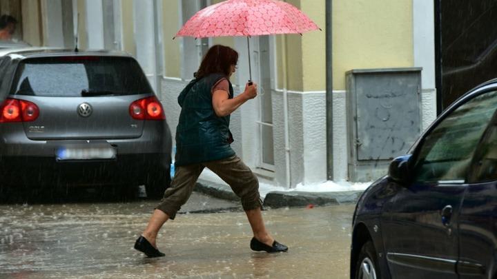 Ψυχρό μέτωπο θα διασχίσει τη χώρα. Σε ποιες περιοχές θα σημειωθούν σφοδρές καταιγίδες (Χάρτες)