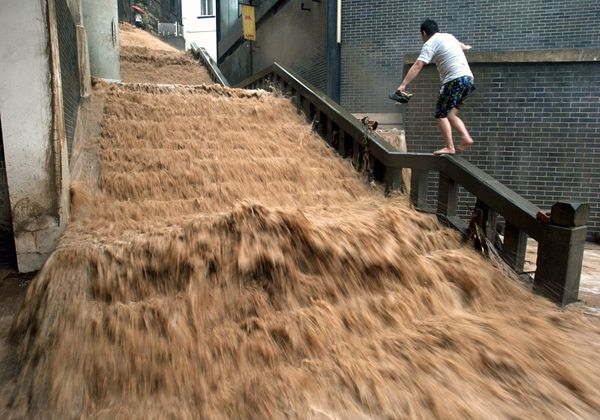 science-extreme-weather-flooding-china_47508_600x450