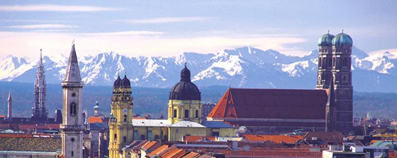 Munchen ,vedere cu muntii Alpi