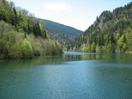 muntii latoritei -lacul petrimanu