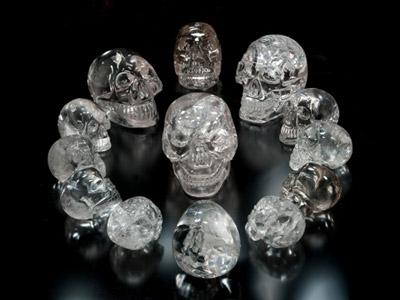 legenda celor 13 cranii de cristal