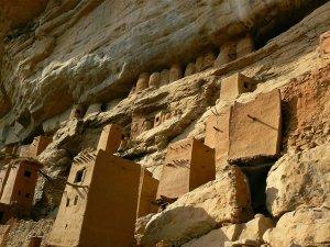 civilizatii misterioase dogonii din Africa