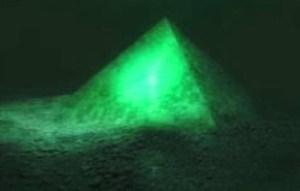 piramida-de-sticla-sub-Oceanul-Atlantic