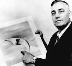 Pilotul Kenneth Arnold