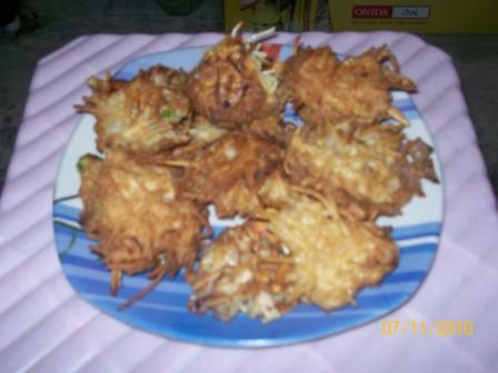 Noodles pakoda - a tasty snacks