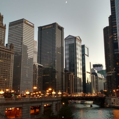 See Chicago: Shoreline Sightseeing Fireworks Tour