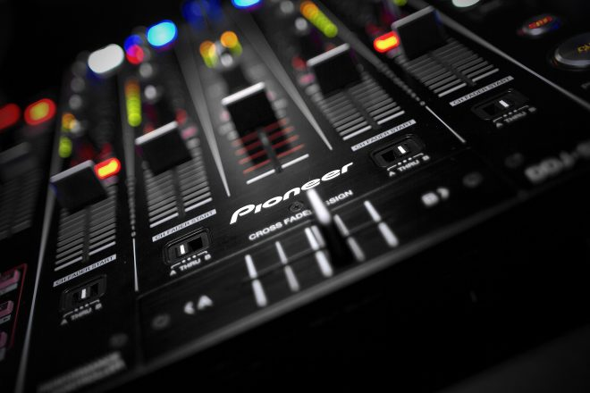 O Pioneer DJ lança um aplicativo que permite gravar mixagens diretamente no seu telefone